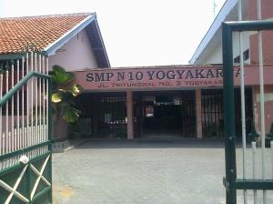 gerbang smp